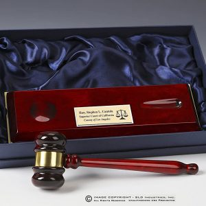 Rosewood-Pianowood-Gavel-with-Base-in-front-of-box